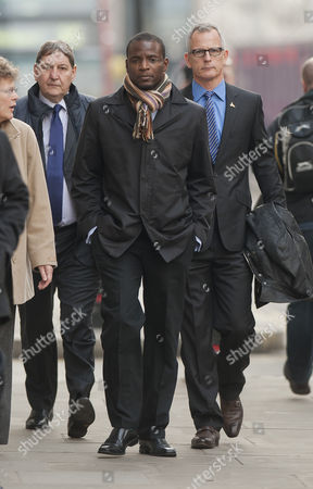 Duwayne Brooks Friend Of Murdered Teenager Stephen Lawrence Arriving At The Old Bailey With Former Deputy Commissioner Brian Paddick To Give Evidence In The Trial Of David Norris And Gary Dobson. 17.11.11 Reporter Paul Harris Stephen Wright Ryan Keisal And Nick Mcdermot.