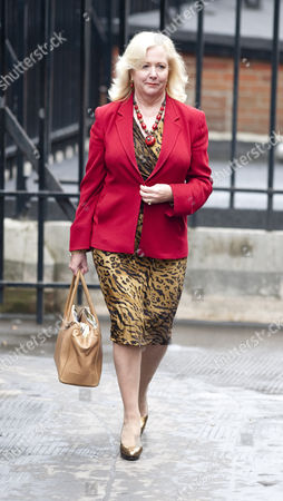 Mary-ellen Field Former Assistant To Elle Macpherson Arriving At The Leveson Inquiry Into Press Practices At The High Court London: Mary-ellen Field Former Assistant To Elle Macpherson Outside The Royal Courts Of Justice London  22.11.11.