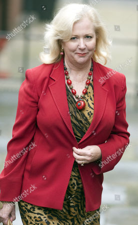 Mary-ellen Field Former Assistant To Elle Macpherson Arriving At The Leveson Inquiry Into Press Practices At The High Court London:. 22.11.11 Mary-ellen Field Former Assistant To Elle Macpherson Outside The Royal Courts Of Justice London.
