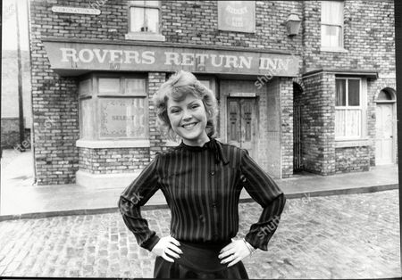 Cheryl Murray Actress On Set Of Tv Soap Opera Coronation Street By Rovers Return Pub 1983.
