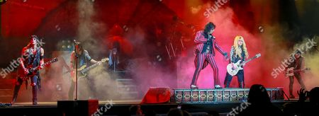 Alice Cooper - Ryan Roxie, Chuck Garric, Glen Sobel, Alice Cooper, Orianthi and Tommy Henriksen