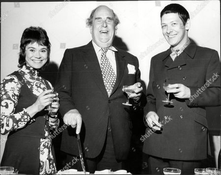 Actor Robert Morley (centre) Cuts His Cake With Heather Sears And Donald Burton At His 62nd Birthday Party Robert Adolph Wilton Morley Cbe (26 May 1908 A 3 June 1992) Was An English Actor Who Often In Supporting Roles Was Usually Cast As A Pompous English Gentleman Representing The Establishment. In Movie Encyclopedia Film Critic Leonard Maltin Describes Morley As 'recognisable By His Ungainly Bulk Bushy Eyebrows Thick Lips And Double Chin [...] Particularly Effective When Cast As A Pompous Windbag'. More Politely Ephraim Katz In His International Film Encyclopaedia Describes Morley As A 'a Rotund Triple-chinned Delightful Character Player Of The British And American Stage And Screen.'.