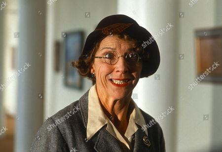 Fiona Walker as Miss Lingard