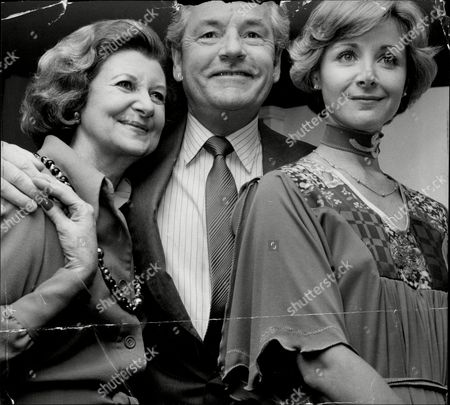 Actor Kenneth More (died 7/82) With His Third Wife Angela Douglas And Actress Doris Barry.