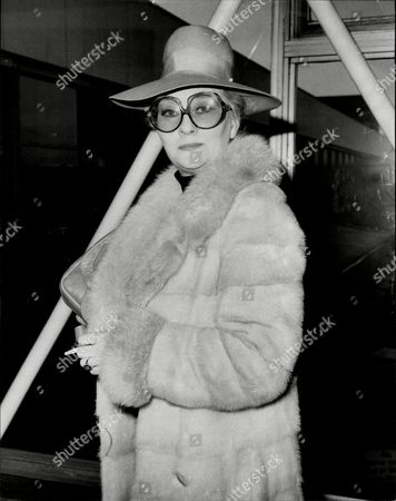 Christine Norden Actress In Fur Coat Hat And Sunglasses At Heathrow Airport 1977.
