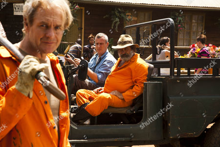 Ed (Robert Bathurst), Danny (Stephen Tompkinson), Du Plessis (Deon Stewardson)