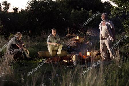 Du Plessis (Deon Stewardson), Danny (Stephen Tompkinson), Ed (Robert Bathurst)