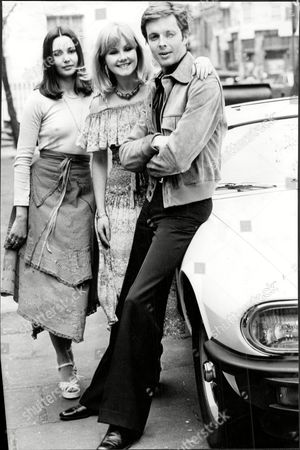 Actor Ian Ogilvy Is To Play 'the Saint' In A New Tv Series. Pictured With Sue Upton And Drina Pavlovic In 1977.