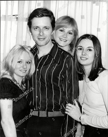 Actor Ian Ogilvy Is To Play 'the Saint' In A New Tv Series. Pictured With Donna Scarff Sue Upton And Drina Pavlovic In 1977.
