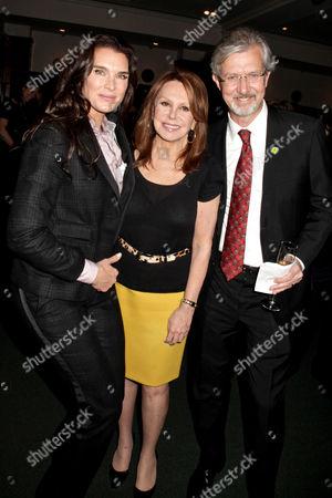 Stock Photo of Brooke Shields, Marlo Thomas and Claudio Del Vecchio