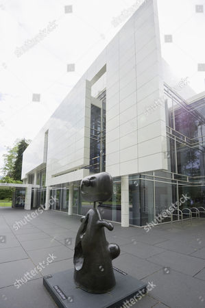 Sculpture by Joan Miro in front of Museum Frieder Burda, architect Richard Meier, Baden-Baden, Black Forest, Baden-Wuerttemberg, Germany, Europe
