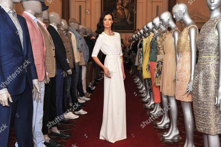 Model Karen Fitzpatrick wears Lennon Courtney white dress e390