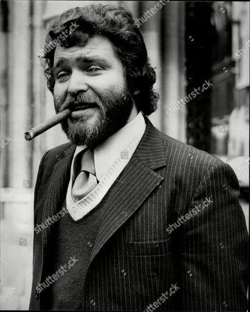 Derren Nesbitt Actor With Beard And Cigar At Court For Bankruptcy Hearing 1975.