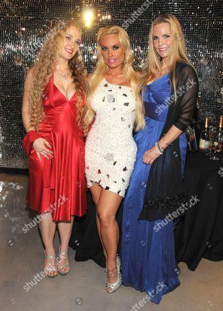 Stock Photo of Kristy Williams, Nicole Coco Austin, and Tina Austin