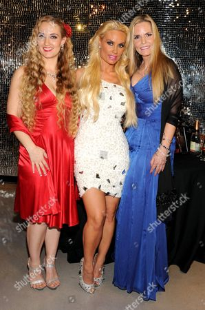 Stock Picture of Kristy Williams, Nicole Coco Austin, and Tina Austin