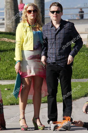 Busy Philipps and Dan Byrd