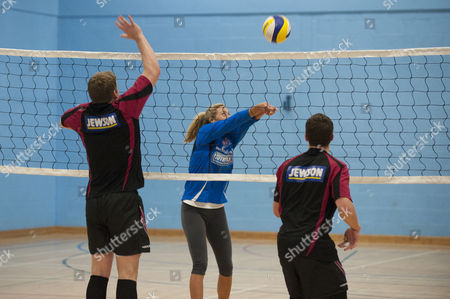 Volleyball Player Denise Johns Shows Gloucester Rugby Players Luke Narroway And Freddie Burns How To Play Volleyball At Hartpury College Gloucester.