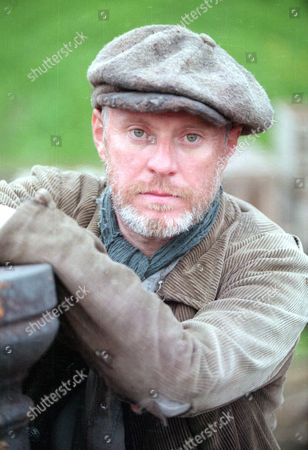 Editorial photo of 'Inspector Morse' - Series 11 -  The Wench is Dead - TV Programme - Nov 1998