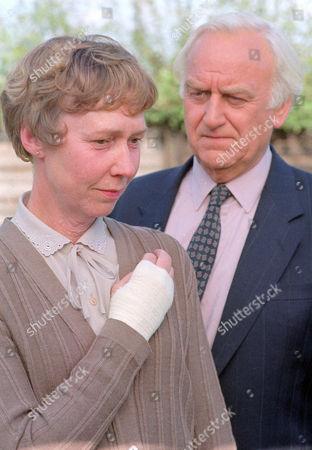 Gabrielle Lloyd as Brenda Brooks and John Thaw as Chief Inspector Morse
