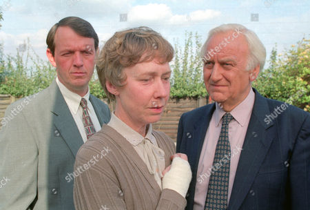Kevin Whately as Detective Sergeant Lewis,  Gabrielle Lloyd as Brenda Brooks and John Thaw as Chief Inspector Morse
