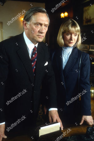 Richard Pasco as William Bryce Morgan and Joanna David as Susan Fallon
