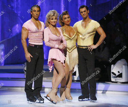 Skate off - Lauren Goodger and Michael Zenezini are voted off by the judges while Anthea Turner and Andy Buchanan survive another week