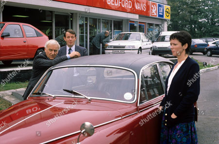 John Thaw as Chief Inspector Morse, Kevin Whately as Detective Sergeant Lewis and Mary Jo Randle as Detective Sergeant Maitland