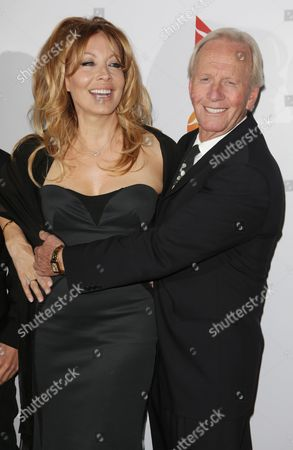 Stock Picture of Paul Hogan and wife Linda Kozlowski