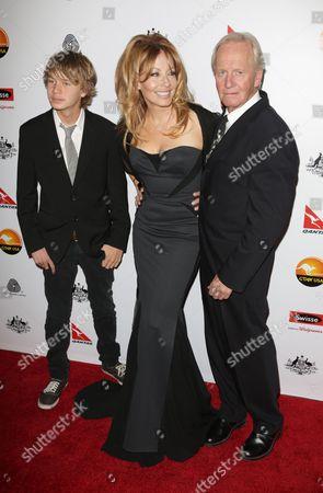 Paul Hogan and wife Linda Kozlowski with their son Chance