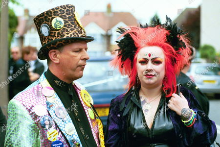 Funeral Of Screaming Lord Sutch At Saint Pauls's Church South Harrow. Picture Shows A Raving Loony Supporter And A Punk.