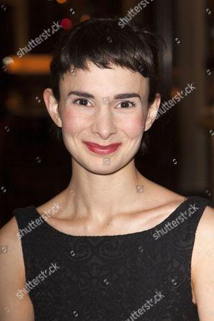 Simona Bitmate (The Niece)