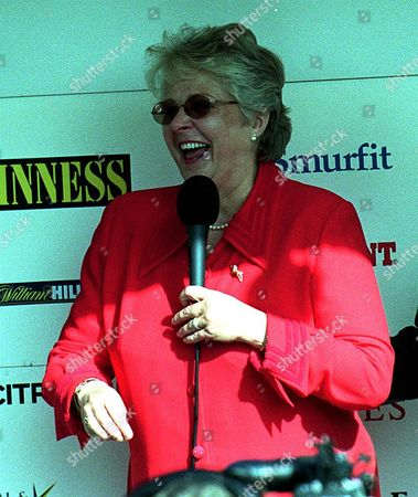 Cheltenham Races Jenny Pitman Laughs At Crowd As She Announces Her Retirement As A Trainer.