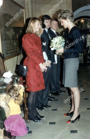 Diana Princess Of Wales (dead 8/1997) The Princess Of Wales Is Introduced To Tv Presenter Sue Cook And Her 2 And A Half Year Old Daughter Megan Mcqueen When She Attended Turning Point's 26th Annual General Meeting At The Merchant Taylors' Company.