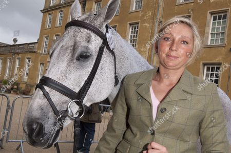 Phoebe Buckley with her horse 'Frosty'