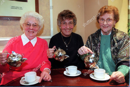 Non-drip Teapot Story....jean Archer Pauline Hanson & Betty Stalley. Seen Testing The New Teapot Introduced By Debenhams Store After Receiving Complaints From The Customers About The Old Dripping Teapots.