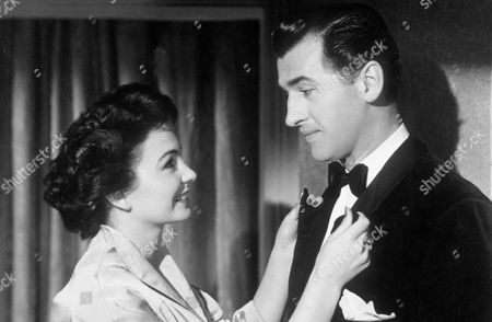 "Jean Simmons in "" Adam and Evelyne "" with Stewart Granger"