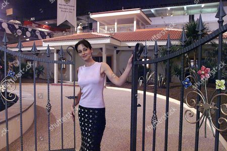 The Daily Mail Ideal Show. Amanda Doyle Outside The Mediterranean Style Villa Dream House. (tues 16/3).