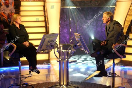 Daily Mail 'who Wants To Be A Millionaire' Game Winner Julie Taylor With Chris Tarrant At Elstree Film Studios.