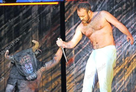 John Tomlinson as The Minotaur, Johan Reuter as Theseus