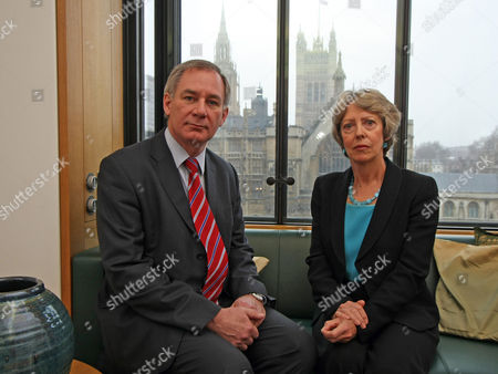 Geoff Hoon And Patricia Hewitt At Portcullis House Launch Their Campaign For A Secret Ballot On Labouras Leadership In Westminster.