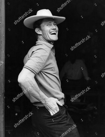 CHUCK CONNORS IN MEXICO - 1961