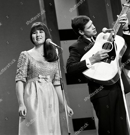 The Seekers - Judith Durham and Keith Potger
