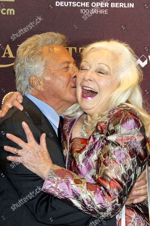 Stock Picture of Dustin Hoffman and Gwyneth Jones