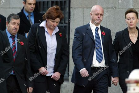 The Parents Of Murdered Soham Schoolchildren Holly Wells And Jessica Chapman Kevin And Nicola Wells And Sharon And Leslie Chapman Arrive At The Old Bailey In London Where The Trial Of Ian Huntley And His Former Girlfriend Maxine Carr Is On. Huntley Denies Murdering The Two Girls And Carr A Former Classroom Assistant At The Girls' Primary School Denies One Charge Of Conspiring To Pervert The Course Of Justice And Two Charges Of Assisting An Offender.