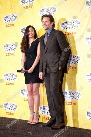 Meisa Kuroki and Bradley Cooper