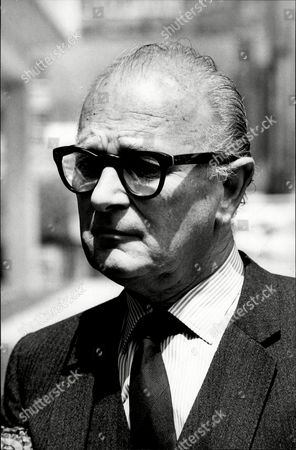 Actor Nigel Patrick Nigel Patrick (born Nigel Dennis Patrick Wemyss-gorman; 2 May 1912 - 21 September 1981) Was An English Actor And Stage Director Born Into A Theatrical Family.