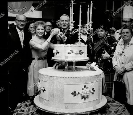 Actress Muriel Pavlow With Actor Jeremy Hawk Cutting Cake To Celebrate 102nd Birthday Of John Barker's Kensington High Street Store Muriel Lilian Pavlow (born 27 June 1921) Is A British Actress. Her Mother Was French And Her Father Was Russian.