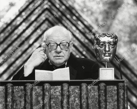 ARTHUR LOWE (citation reader) at the Awards Ceremony in 1982