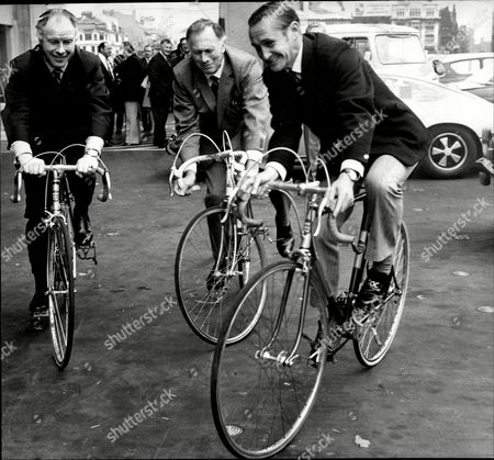 Cricketer Jack Bond O Bicycle With Manchester City Manager Joe Mercer (centre) Ad Fomer World Cycling Champion Reg Harris John David 'jack' Bond Born In Kearsley Near Bolton Lancashire On 6 May 1932 Is A Former Cricketer Who Played For Lancashire And For One Season For Nottinghamshire. Jack Bond Was A Right-handed Middle Order Batsman And A Good Close Fielder Who Had A Fairly Unspectacular County Cricket Career For Lancashire From 1955 Being Assured Of A Regular Place In A Strong Batting Line-up In Only A Few Seasons Among Them 1962 When He Scored 2 125 Runs At An Average Of More Than 36. But By The Mid-1960s He Was Second Eleven Captain And An Irregular First-class Cricketer. Success With The Second Team Though Led To An Unexpected Call-up To Be First Team Captain From 1968 And Over The Next Five Seasons Bond Led A Previously Under-achieving Side To A Run Of Success In One-day Cricket Competitions That Has Not Been Equalled. Intensively Competitive Bond Led By Example In The Field And Often Made Useful Runs Normally Batting At No 6 Or Lower. A Mostly Young Team Included Future England Cricketers Such As Barry Wood David Lloyd Frank Hayes Peter Lever And Ken Shuttleworth And Lancashire Recruited Proven Matchwinners In Clive Lloyd And Farokh Engineer As The Overseas Stars.