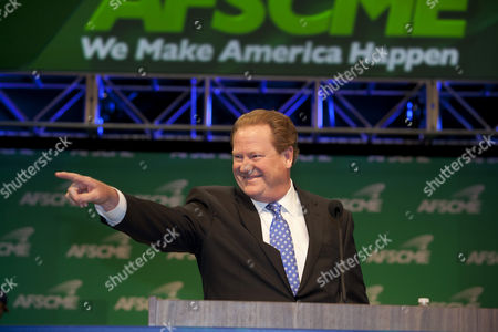Stock Picture of Radio and TV personality Ed Schultz speaks at the biannual convention of the American Federation of State, County and Municipal Employees, AFSCME, Los Angeles, California, USA